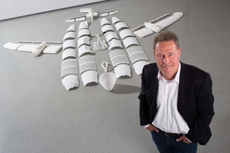 Peter Sander and the parts of the first 3D-printed aircraft