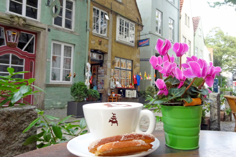 Enjoy local delicacies in an authentic setting surrounded by picturesque half-timbered buildings