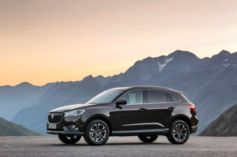Borgward has announced that it will begin by making electric SUVs in Europe and that the maiden model from the Bremen production plant will be a Borgward BX7 with all-electric drive.