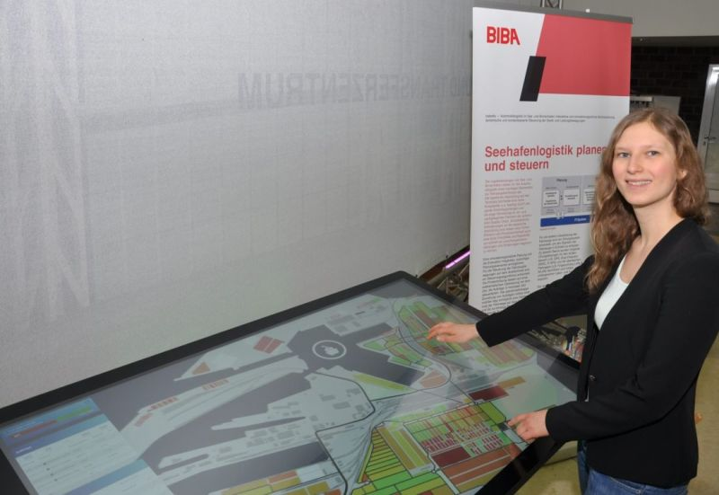 Marit Hoffmeyer at the multitouch table