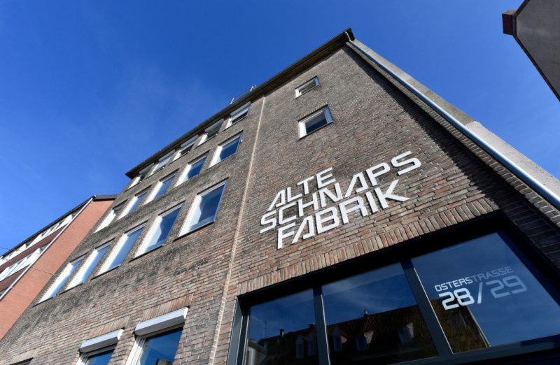 The Alte Schnapsfabrik building in Bremen's Neustadt district is home to many creative and innovative companies