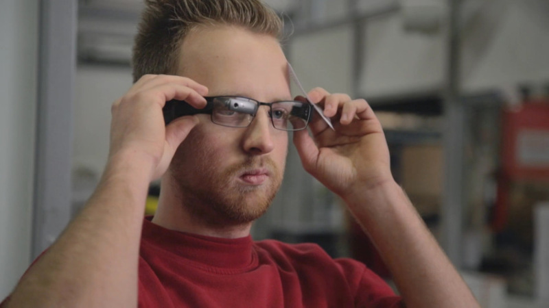 Smart glasses by UBIMAX used by DHL